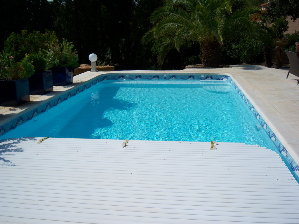 Prix piscine 10x4 cool luescalier avec sa plage with prix for Prix piscine 10x4
