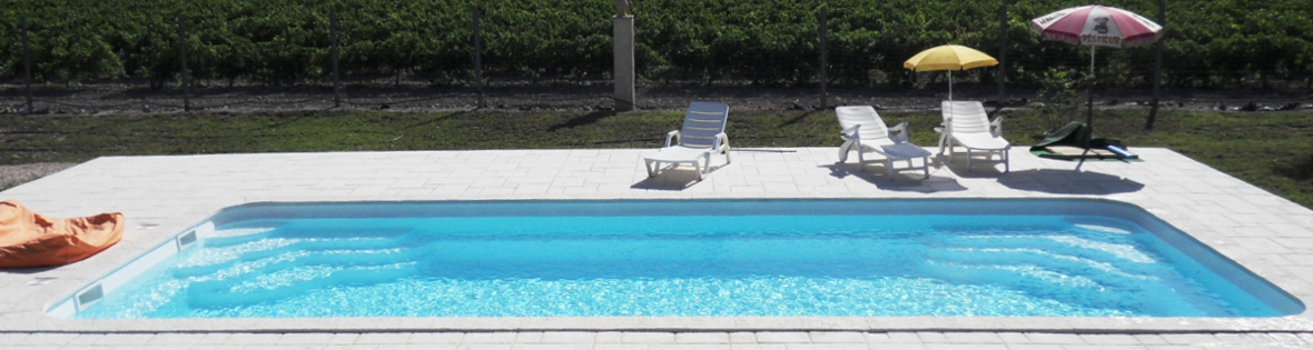 Passion piscines piscines coque gironde 33 for Installation piscine coque